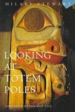 Looking at Totem Poles 9780295972596